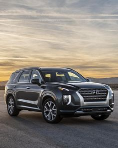 The 2020 Hyundai Palisade delivers a well-rounded package that families will love, but can Hyundai's three-row crossover stand out i… Auto Hyundai, Hyundai Cars, Hyundai Vehicles, Suv Trucks, Suv Cars, Tucson, Automotive Manufacturers, Suv Models, Crossover Suv