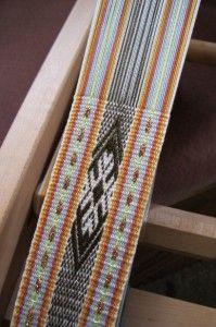 19ThreadPickUp Inkle Weaving, Inkle Loom, Card Weaving, Types Of Weaving, Weaving Tools, Weaving Projects, Tablet Weaving Patterns, Loom Patterns, Navajo Weaving