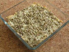Jednoduchý, zdravý a levný pokrm určený pro 1 - 2 porce. Fusilli, How To Dry Basil, Quinoa, Ale, Oatmeal, Herbs, Bread, Breakfast, Recipes
