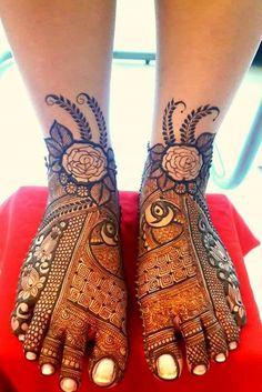 Traditional Mehndi Designs, Legs Mehndi Design, Full Hand Mehndi Designs, Mehndi Design Pictures, Beautiful Henna Designs, Mehndi Designs For Fingers, Arabic Bridal Mehndi Designs, Rajasthani Mehndi Designs, Engagement Mehndi Designs