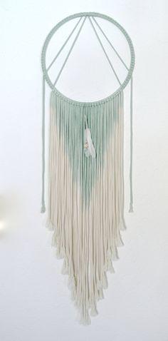 Weiteres runder makramee wandbehang schwarz ombre ein designerst ck von hejmargit bei - Makramee wandbehang ...