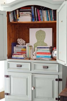 Today we're continuing our Other People's Bookshelves series.View the previous posts here.    Today we're snooping the shelves of Myquillyn Smith, also known as The Nester. Myquillyn has been blogging for almost seven (!!) years now about decorating, design, and embracing imperf
