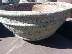 Ribbed Ground Bowl with Collar