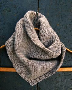Sweet Stitching with Erin: Bandana Cowl - The Purl Bee - Knitting Crochet Sewing Embroidery Crafts Patterns and Ideas! From purl bee.what a great site! Knitting Patterns Free, Knit Patterns, Free Knitting, Sewing Patterns, Free Pattern, Knitting Scarves, Finger Knitting, Knitting Tutorials, Knitting Machine