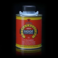 Primarily for use in dry conditions, the advanced, water-based formulation penetrates deep into the hoof horn to aid moisture replacement.