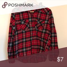 Red flannel Casual red flannel in perfect condition! Forever 21 Tops Button Down Shirts