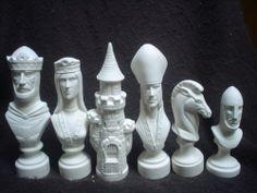 E016-Ceramic Bisque 32 Piece Large Scioto Chess set