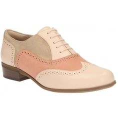 A key look for the season masculine styling with a feminine twist, is delivered in these beautiful women's brogues. In Peach combi leather, this fashionable style combines classic punched detailing with a simple lace fastening. A cushioned Softwear footbed adds all-day comfort. http://www.marshallshoes.co.uk/womens-c2/clarks-womens-hamble-oak-peach-combi-leather-casual-shoe-p3703 #summer #brogue