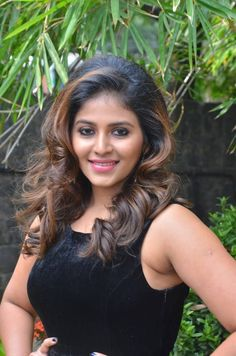 Anjali Cross Legs In Mini Black Skirt At Balloon Movie Trailer Launch Tollywood Actress Anjali Hot, Tollywood Actress Anjali Cute Images, Tollywood Actress Anjali HD Gallery, Tollywood Actress Anjali HD Images Beautiful Blonde Girl, Beautiful Gorgeous, Beautiful People, Beautiful Saree, Beautiful Women, Indian Actress Hot Pics, Actress Photos, Indian Actresses, India Beauty