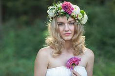 in the Forest/ im Wald Portrait Photography, Crown, People, Wedding, Fashion, Woodland Forest, Casamento, Corona, Moda