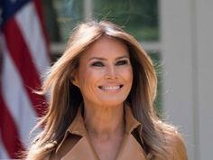 HAPPY BIRTHDAY to MELANIA TRUMP! Born Melanija Knavs, Germanized to Melania Knauss, Slovenian former fashion model and the current first lady of the United States, as the wife of the president of the United States Donald Trump. Trump Melania, First Lady Melania Trump, Melania Trump Hair Color, Laura Bush, Donald Trump, Donald And Melania, First Ladies, Work Visa, Lingerie Shoot