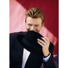 An image of David Bowie ❤ liked on Polyvore featuring bowie