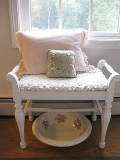 Cottage Flair: Shabby Chic Decorating This would look stunning on my piano bench !!!
