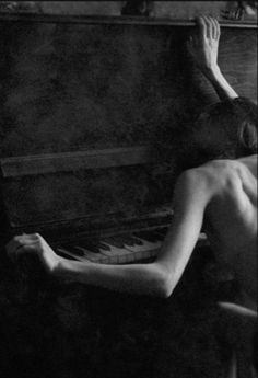 Photo by Qeta Gvinepadze. I definitely look like this by my piano sometimes. But with clothes on. Robert Frank, Nude Photography, Black And White Photography, Portrait Photography, Belleza Natural, Carne, Tumblr, In This Moment, Beauty