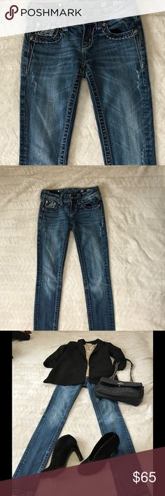 Miss Me Jeans Size 24 Miss Me Jeans in a dark wash featuring detailed back pockets. Size 24 missing one rivet on the back tag. Price reflects this. Best offer. Miss Me Jeans Skinny