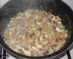 Tocanita de ciuperci(de post) - Forum Discutii Culinare - Comunitate, Retete, Poze, Sfaturi Vegan For A Week, Meat, Chicken, Food, Essen, Meals, Yemek, Eten, Cubs