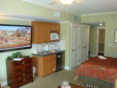 Romantic Studio in Sandestin's Village of Baytowne Wharf. Call Now! . From the moment you enter the building, the calm and relaxing atmosphere of Lasata ta...