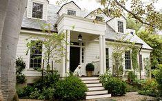 Home Exterior Paint Color. Benjamin Moore Swiss Coffee Exterior Paint Color. #BenjaminMooreSwissCoffee #HomeExteriorPaintColor  Tim Barber.