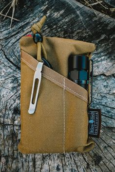 The PocKit: Modern Carry Coyote – Yellow Birch Outfitters Tactical Knives, Tactical Gear, Global Knife Set, Types Of Knives, Pocket Organizer, Edc Everyday Carry, Best Pocket Knife, Edc Gear, Folding Knives