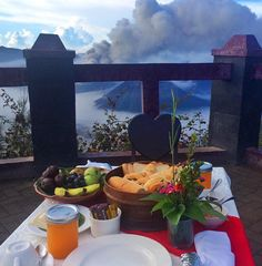 honeymoon breakfast