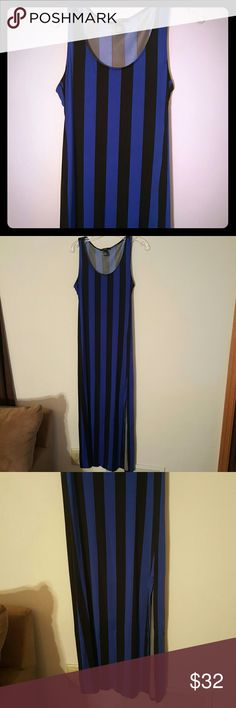Stripe maxi dress Stripe maxi dress with slits on both sides  Great for summer Has a little snag near the bottom Swim Beach Vacation Forever 21 Dresses Maxi