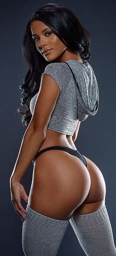 JUICY MUSCULAR POCAHONTAS BUTT of sexy #Fitness model : Health, Exercise & #Fitspo - the best #Inspirational & #Motivational Pins by: http://cagecult.com/mma