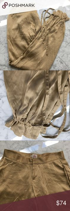 Joie Silk Champaign Gold Harem Pants - 4 Perfect condition in these super cute pants.  Throw then on with a pair of spicy heels and rock out like JLo! Joie Pants Ankle & Cropped