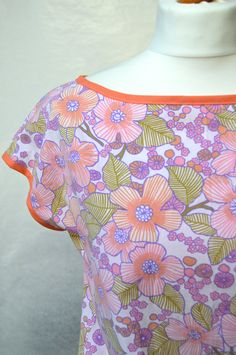 Slash neck top, vintage fabric, flower print, pinks oranges, size small by theHouseofchickaDee on Etsy