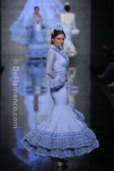 Flamenco Costume, Dance Costumes, African Fashion, Indian Fashion, Abaya Fashion, Spanish Fashion, Ethnic Dress, Dressy Dresses, Historical Clothing