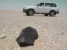 The find of the Alamat meteorite in 2009. 19 kg chondrite in situ. Photo S. Buhl