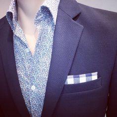 veste laine  chemise liberty  ajoutez unr pochette et un jean...#urbanlook #arrowbordeaux