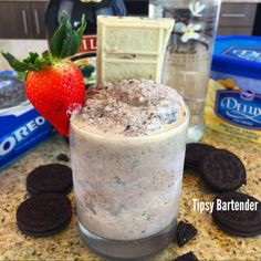 Baileys Koko Cocktail - For more delicious recipes and drinks, visit us here: www.tipsybartender.com