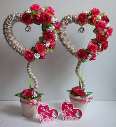 It is a website for handmade creations,with free patterns for croshet and knitting , in many techniques & designs. Valentine Wreath, Valentine Crafts, Valentine Day Gifts, Flower Crafts, Diy Flowers, Paper Flowers, Fun Crafts, Diy And Crafts, Teacup Crafts