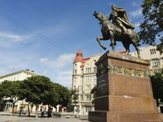 The Equestrian Statue at the Old Town, landmark of the area.