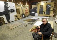 Antoni Tàpies, the Spanish abstract painter Action Painting, Famous Artists, Great Artists, Art Espagnole, Artist Workspace, Painters Studio, Portrait Studio, Atelier D Art, Monochrom