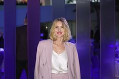 Naomi Watts will play 'a charismatic socialite hiding a dark secret' in the new 'Game of Thrones' prequel series. Naomi Watts, Game Of Thrones Prequel, Game Of Thrones Fans, The Longest Night, Victoria Beckham, Lilac, Celebs, Suits, Writing