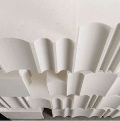 The Secret to Making Wall-to-Wall Carpeting Feel Modern - Beige, begone! The best wall-to-wall carpeting is bold and bright Ceiling Detail, Ceiling Design, Wall Design, Design Design, Architecture Details, Interior Architecture, Interior Walls, Interior Design, Design Interiors