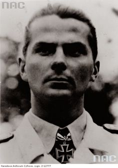 ✠ Hans-Dieter Frank (8 July 1919 – 28 September 1943) Killed in a mid-air collision with another night fighter northwest of Celle. RK 20.06.1943 Hauptmann Staffelkapitän 2./NJG 1 + 02.03.1944 [417. EL] Hauptmann Kdr I./NJG 1