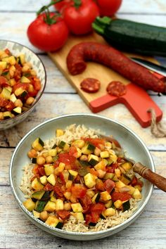 Pan-fried zucchini, tomatoes, chickpeas and chorizo - Amandine Cooking - Recettes - Salad Recipes Healthy Healthy Meal Prep, Easy Healthy Recipes, Crockpot Recipes, Chicken Recipes, Easy Meals, Cooking Recipes, Cooking Chef, Healthy Lunches, Sausage Recipes