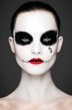Halloween is approaching fast and then, the following day is Día De Los Muertos in Mexico. So what better way to celebrate both by doing a Mexican candy skull makeup on your face. Beside from killing two birds with one…