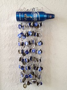 My wind chime homage to Super Bowl XLVI. It's amazing what you can do on a rainy Saturday Sunday. Beer Cap Art, Beer Bottle Caps, Bottle Cap Art, Bottle Cap Crafts, Beer Caps, Beer Cap Crafts, White Trash Party, Cowboy Crafts, Bud Light Beer