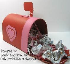 Cricut with Heart: Valentine Mailbox