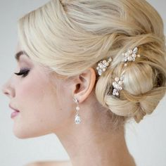 63+ Beautiful Wedding Hairstyle for Most Important Moment in Your Lives https://montenr.com/63-beautiful-wedding-hairstyle-for-most-important-moment-in-your-lives/