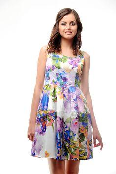 Интересное молодёжное платье цветочного принта. Стильный наряд для ярких и оригинальных девушек.
