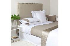 Tête de lit très haute - Une nouvelle tête de lit pour faire de beaux rêves - CôtéMaison.fr