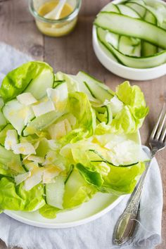 lettuce and cucumber salad with lemon dressing - a Donna Hay recipe Lettuce Salad Recipes, Best Salad Recipes, Cucumber Salad, Donna Hay Recipes, Original Recipe, Soup And Salad, Food For Thought, Healthy Snacks, Food And Drink