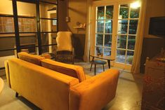 B Sierra Leone, Mauritius, B & B, Bed And Breakfast, Furniture, Home Decor, Decoration Home, Room Decor, Home Furnishings