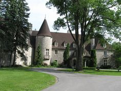 Opinions on eaton hall king city. Give your opinion about eaton hall king city King City Ontario, Hopkins Homes, Eaton Hall, Garden Beds, Home And Garden, Oaks House, French Exterior, Missouri Botanical Garden, Plumbing Emergency