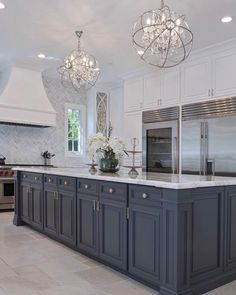 Luxury kitchen enhancementsIt's just all-natural to wish to include some luxury products to your kitchen style. Home Kitchens, Luxury Kitchens, Kitchen Interior, Home Decor, Kitchen Style, House Interior, Luxury Kitchen Design, Luxury Kitchen, Modern Kitchen Design