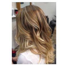Stunning balayage   #hairatredstudio #balayage #balyage #modernsalon #highlights #shop3280 #warrnambool #hairbycara #schwarzkopfpro #schwarzkopfprofessional by hair_at_red_studio